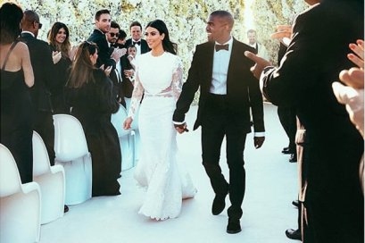 Kanye and Kim share an exclusive picture on Instagram from their Italian wedding.