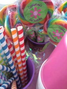 The festive and colorful paper straws to compliment the lollipops.